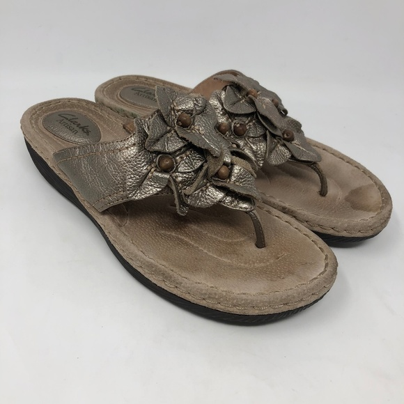 Clarks Artisan Gold Leather Flower Sandals 9